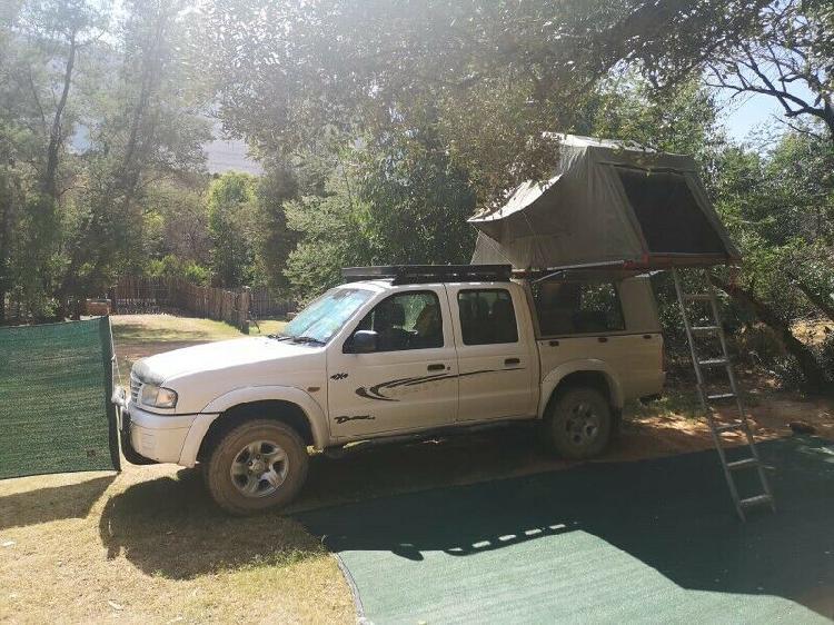 Safari Rooftop tent
