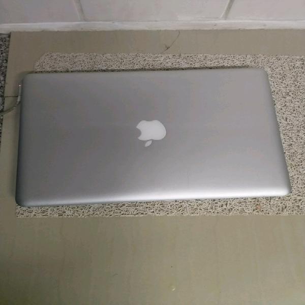 Apple macbook pro for spares / repairs!