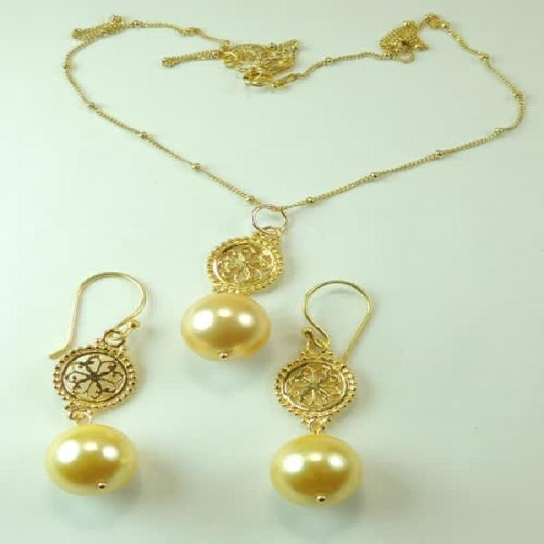 Golden shell pearl necklace & earring set sterling silver