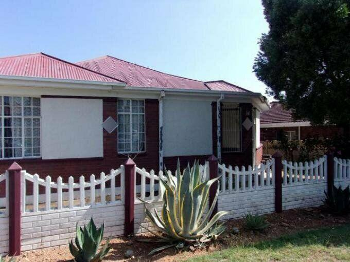 3 bedroom with 2 bathroom house for sale free state