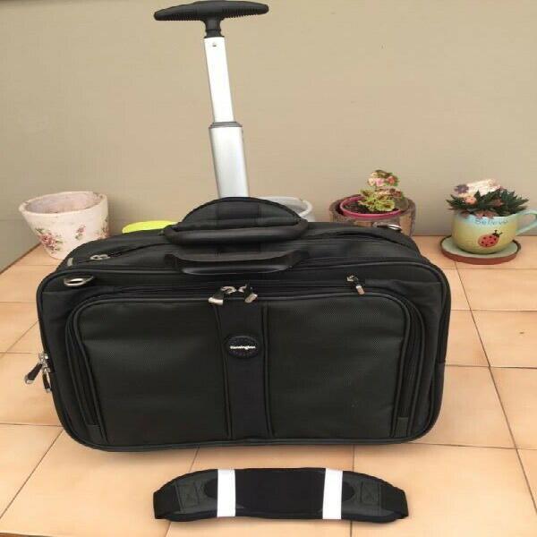 Kensington contour 17 inch laptop roller bag (ff-62348)