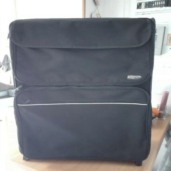 Black intrepid travelling suitcase