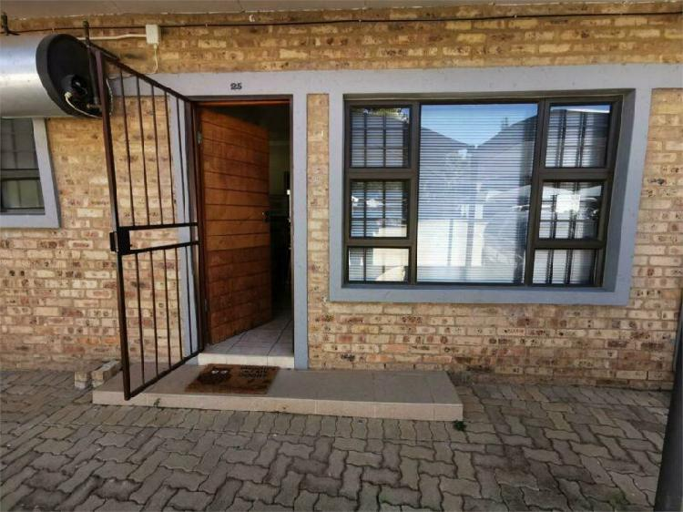 Student flat walking distance from campus.