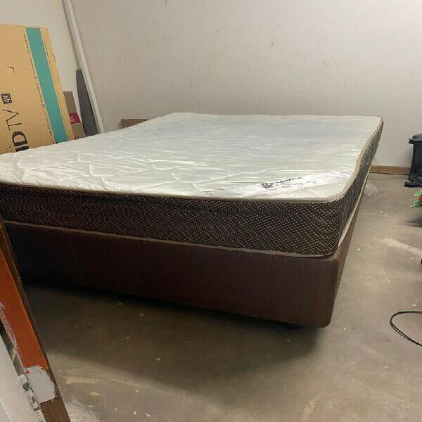 Pre-loved double bed set