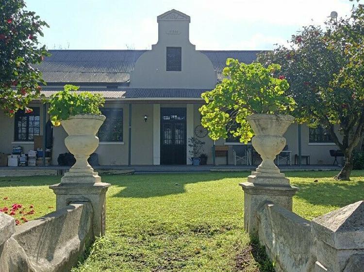 Farm house to rent