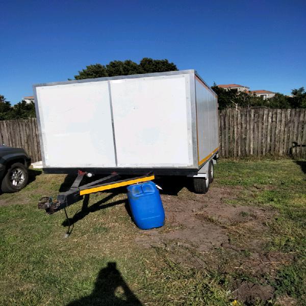 Cooler box trailer