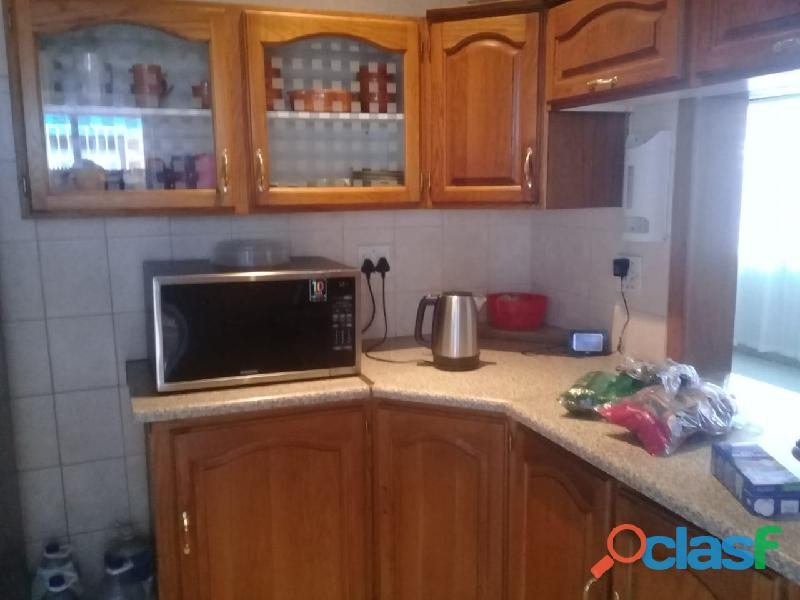 4bedrooms house for rent in chrisvile