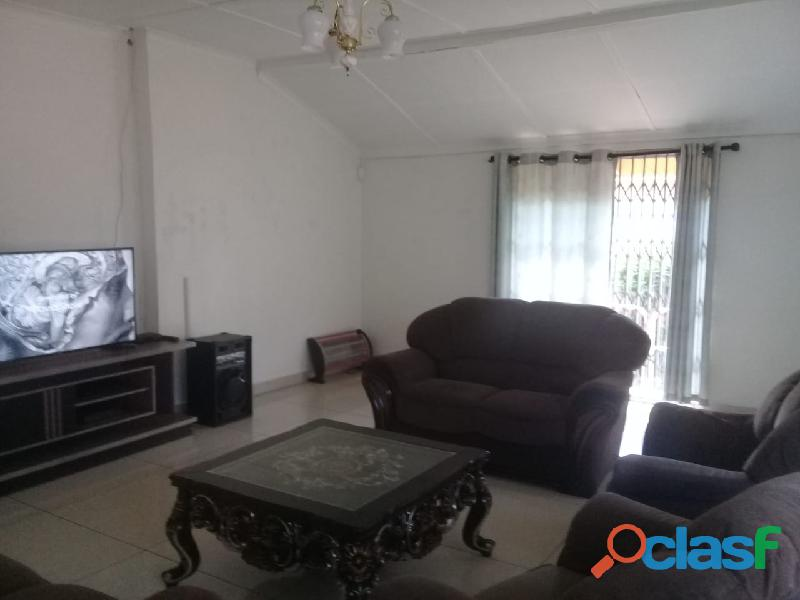 4bedrooms house for rent in chrisvile 1