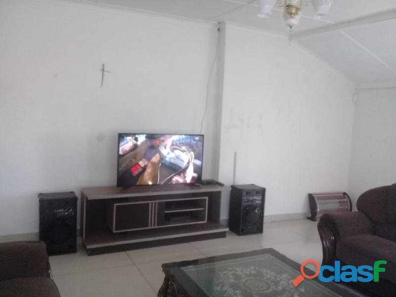 4bedrooms house for rent in chrisvile 2
