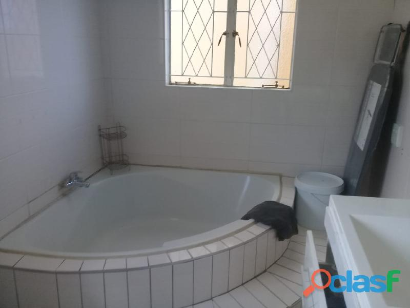 4bedrooms house for rent in chrisvile 6