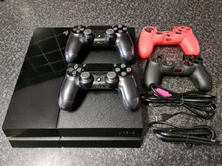 2TB PS4 CONSOLE