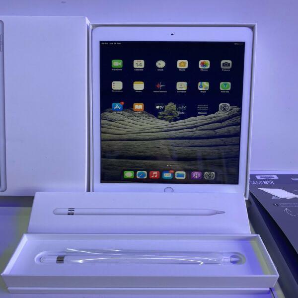 Apple iPad 7th Gen WIFI 32GB 10.2inch + Pencil