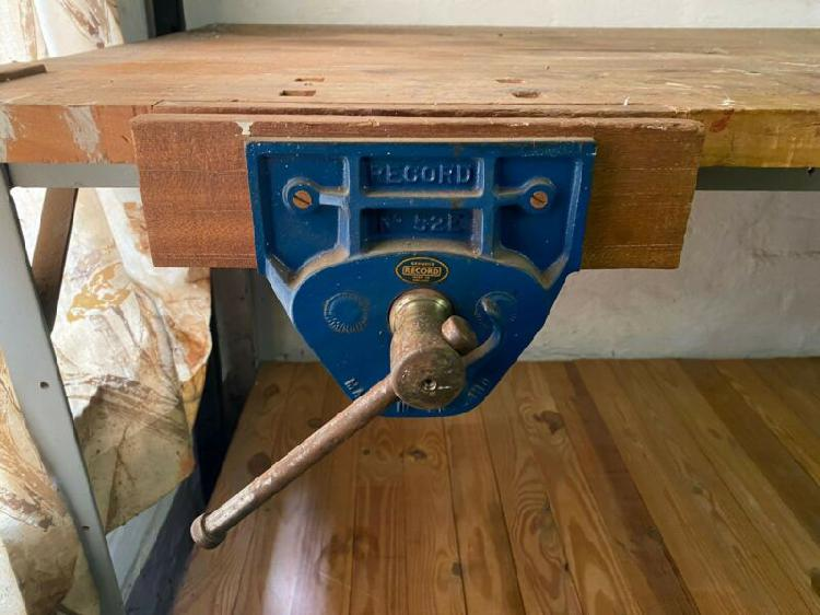 Work bench with Recorder vice
