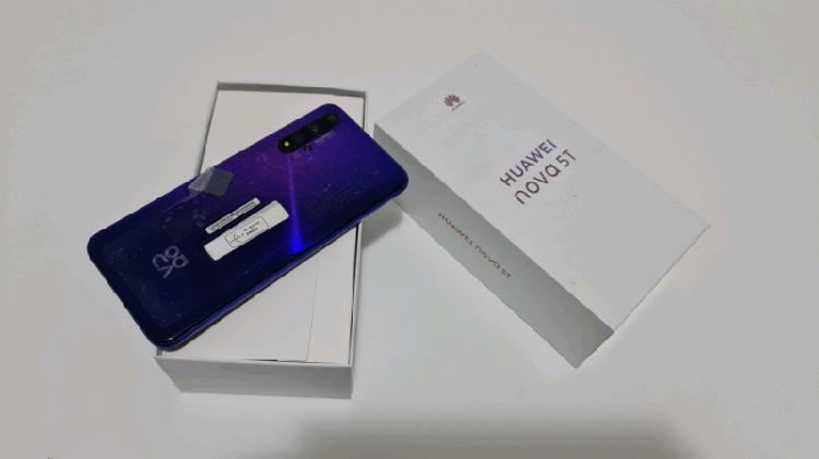 Huawei nova 5t dual sim with box for sale