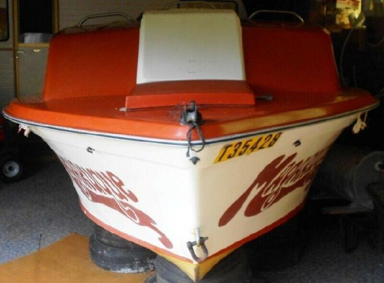 Boat voyager 5,3 m on trailer