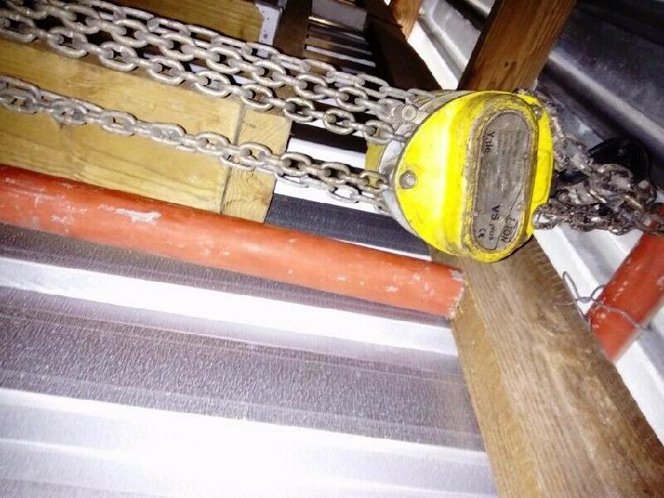 1 TON BLOCK AND TACKLE WITH 15 METRE CHAIN R 1800. UITENHAGE