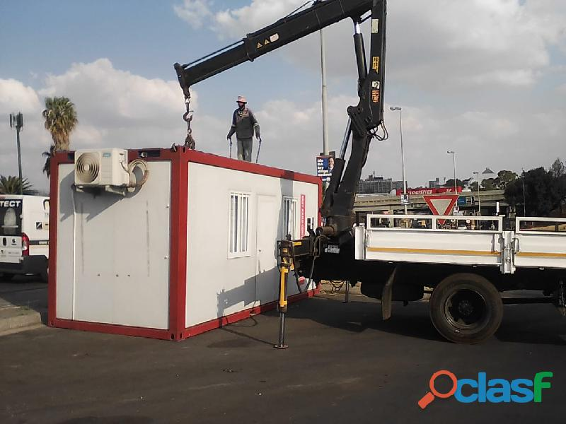 6M UD Crane Truck For hire 1