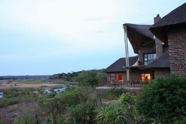 Hippo Bend Ngwenya Lodge For Sale R60 000