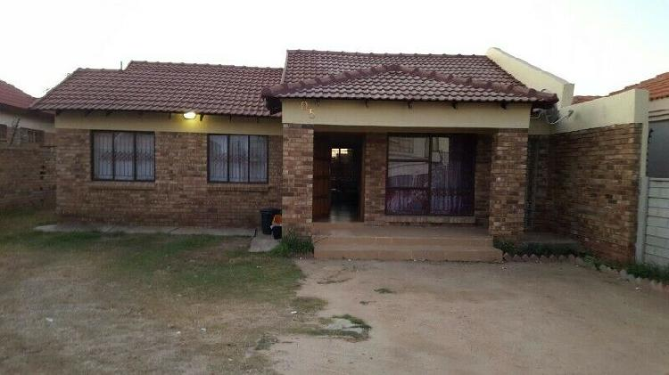 Room to rent in Ivypark X21, Polokwane for R1400 pm