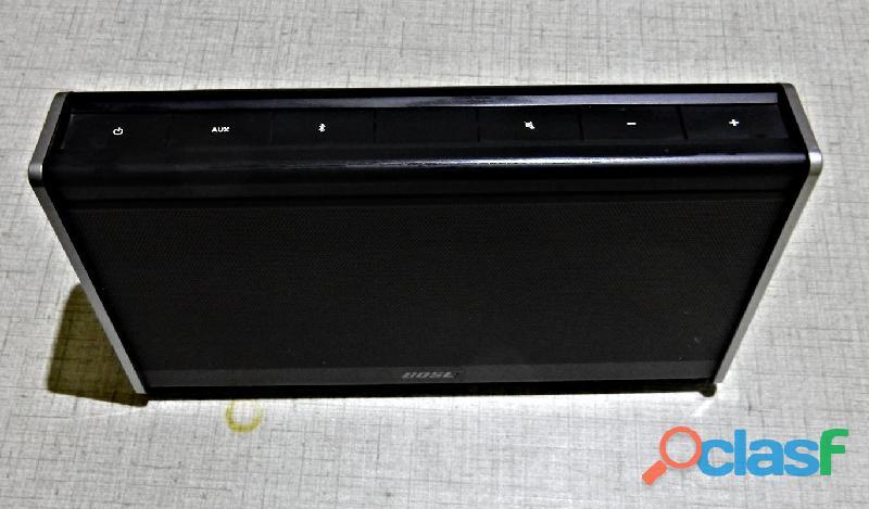 Bose Soundlink Portable Bluetooth Speaker 1