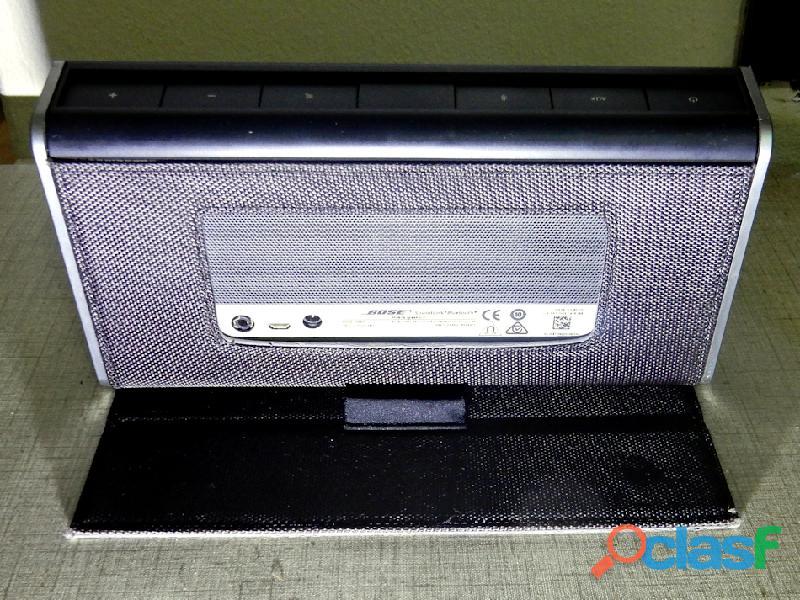 Bose Soundlink Portable Bluetooth Speaker 3