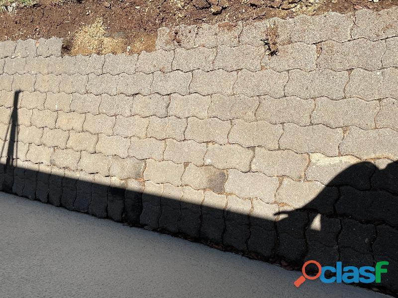 Paving bricks used 3