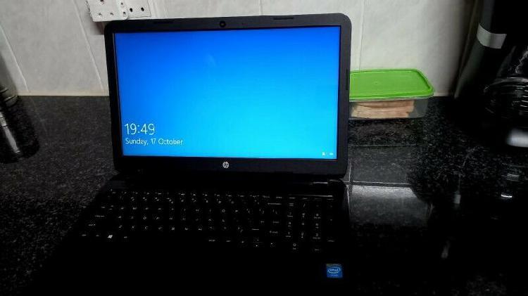 Selling hp intel celeron laptop