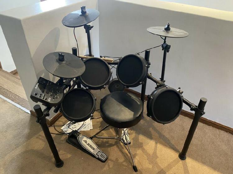 Alesis nitro drum set plus chair