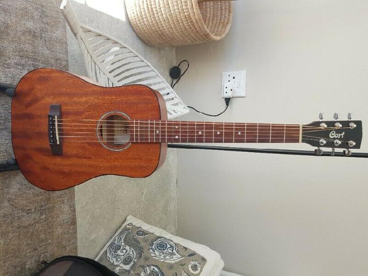 Cort ad mini m travelers guitar – natural satin mahogany -